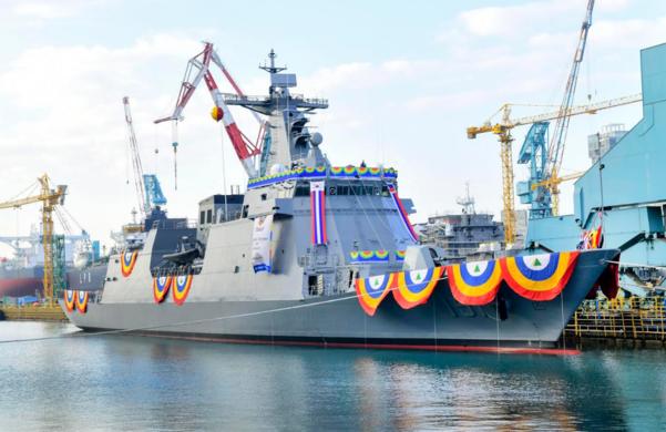 현대중공업이 8일 울산 본사에서 진수한 필리핀 호위함 2번함 '안토니오 루나함'. /현대중공업 제공