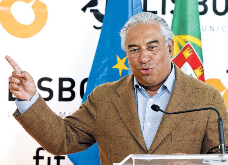 안토니우 코스타 포르투갈 총리가 이끄는 사회당은 지난 4년간 강력한 성장 주도 정책으로 경제를 안정 궤도에 올려놨다는 평가를 받고 있다. 코스타 총리는 지난달 총선에서 의석수를 늘려 제1당으로 올라서며 앞으로 정치적 합의를 위해 다양한 정당과 협상에 나서겠다고 밝혔다.