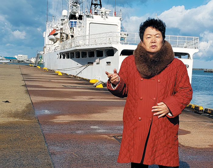 지난달 29일, 59년 전 북송선을 탔던 니가타항을 찾은 가와사키 에이코씨.