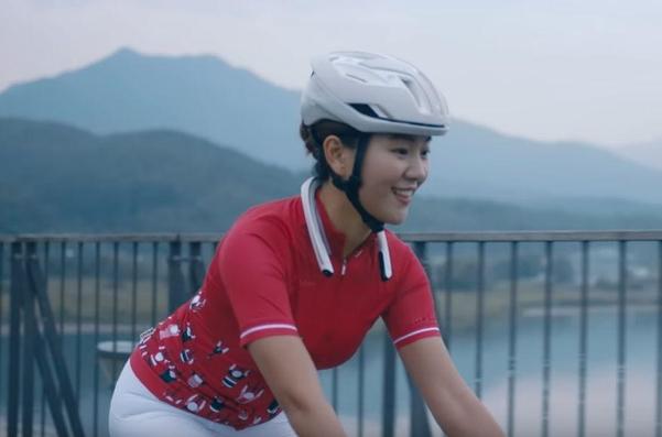 넥밴드 카메라 '리얼360'을 홍보한 라이딩 유튜버 베베수. /KT
