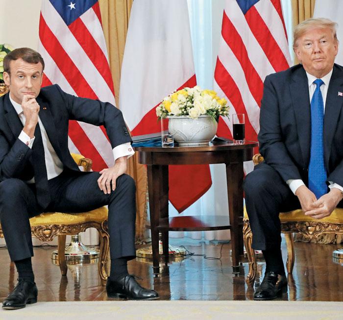 도널드 트럼프(오른쪽) 미 대통령과 에마뉘엘 마크롱 프랑스 대통령이 3일(현지 시각) 영국 런던에 있는 미 대사 관저인 윈필드 하우스에서 공동 기자회견을 하고 있다.