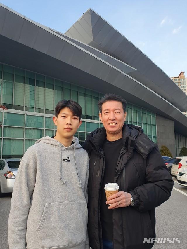 김유택-김진영 부자