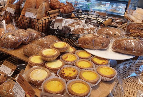 한 제과 프랜차이즈 매장에 진열된 빵./ 최상현 기자