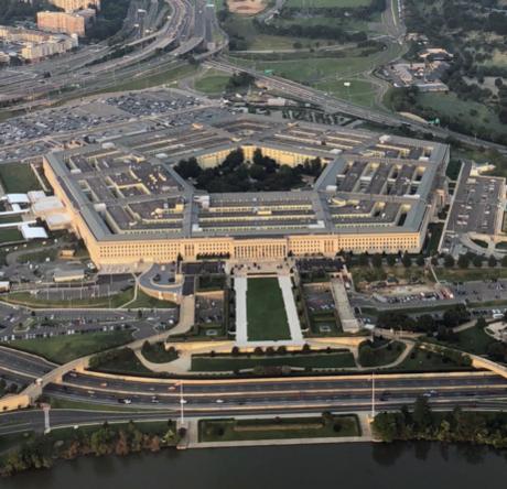 미국 버지니아주 알링턴에 위치한 국방부 청사, 일명 '펜타곤'의 항공 사진./조선비즈 DB