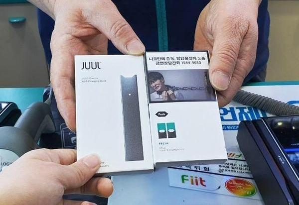 서울 중구의 한 편의점에서 액상형 전자담배 '쥴(JUUL)'이 판매되고 있다./조선DB