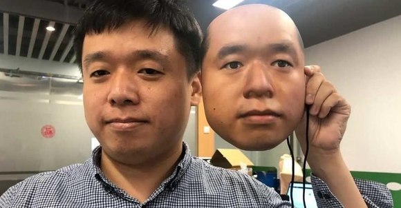 크네론 연구원들이 얼굴인식 기술 안정성을 측정하기 위해 실험에 사용한 가면. /크네론