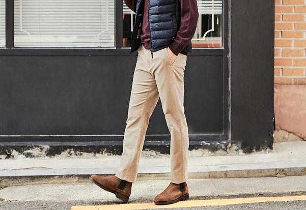옷입기에서 가장 중요한 건 '바지 핏', 통이 좁고, 길이는 신발에 닿을 정도의 기장이 적당하다./올젠 인스타그램