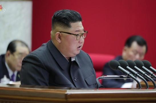 북한이 지난 28일 노동당 제7기 제5차 전원회의를 열어 '국가 건설'과 '국방 건설'에 관련된 중대한 문제를 토의했다고 조선중앙TV가 보도했다. /연합뉴스