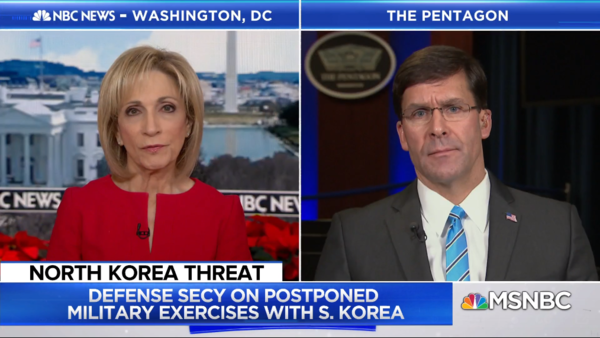 마크 에스퍼(오른쪽) 미 국방장관이 미 MSNBC와 인터뷰를 하고 있다./MSNBC 캡처