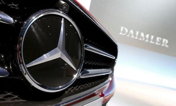 독일 다임러그룹이 미국에서 벤츠 차량 74만5000대를 리콜하기로 했다./로이터통신