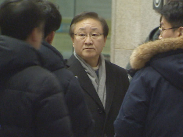 지난 7일 서울중앙지검에 출석한 김신 전 삼성물산 대표이사./연합뉴스