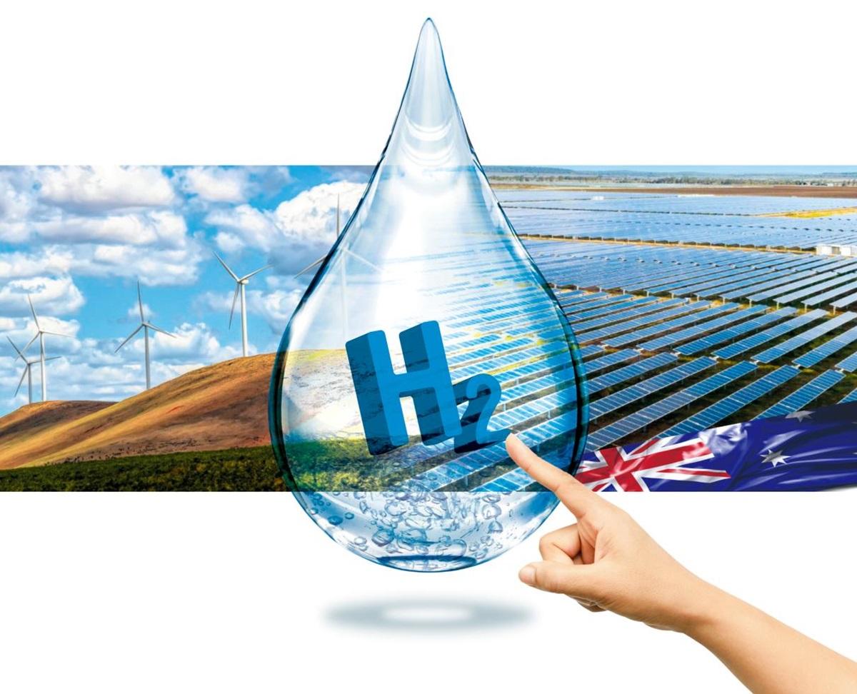 호주는 환경 오염 없이 풍력과 태양광 등으로 수소 생산에 필요한 전기를 공급할 수 있는 천혜의 자연조건을 갖추고 있다. 사우스 오스트레일리아주의 풍력발전소(왼쪽)와 웨스턴 오스트레일리아주의 태양광 발전 패널.