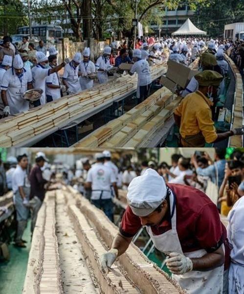 인도 남부 케랄라에서 공개된 '세계 최장' 6.5㎞ 길이의 케이크/AFP=연합뉴스