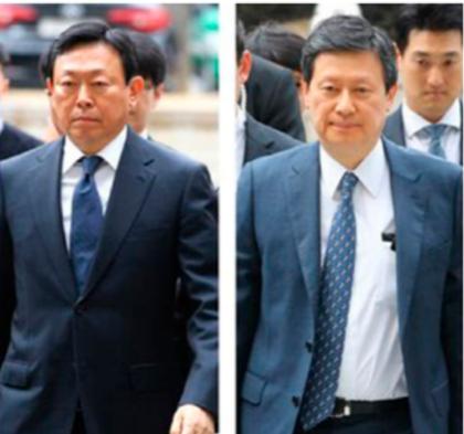 신동빈(왼쪽) 롯데그룹 회장과 신동주 전 일본 롯데홀딩스 부회장./조선일보DB