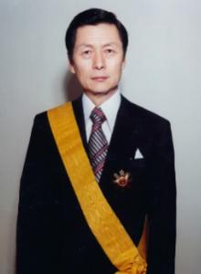 신격호 롯데명예회장이 1978년 5월 17일 국민훈장 무궁화장을 수상한 모습./롯데그룹 제공