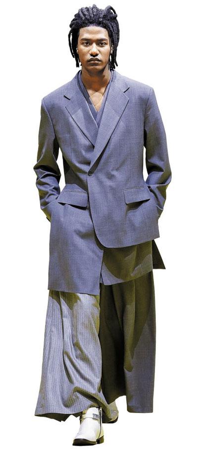 한복에서 영감받은 의상을 매번 선보이는 장광효 카루소 2020 봄여름 쇼 의상.