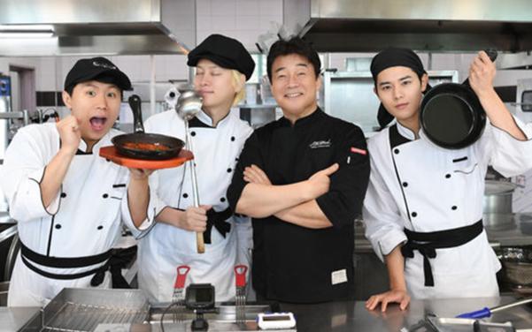 양세형, 김희철, 김동준과 함께 '맛남의 광장' 휴게소에 1일 식당을 차린 백종원.