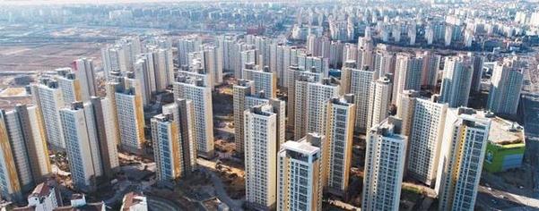 최근 아파트값이 급등한 수원 영통구의 한 아파트 단지. /조선DB