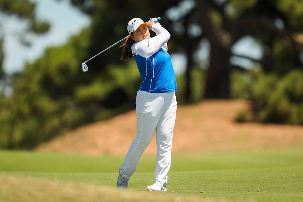 박인비가 ISPS 한다 호주여자오픈 둘째날 4타를 줄이며 공동 선두로 올라섰다. 이번에 우승하면 통산 20승째를 달성하게 된다./Golf Australia