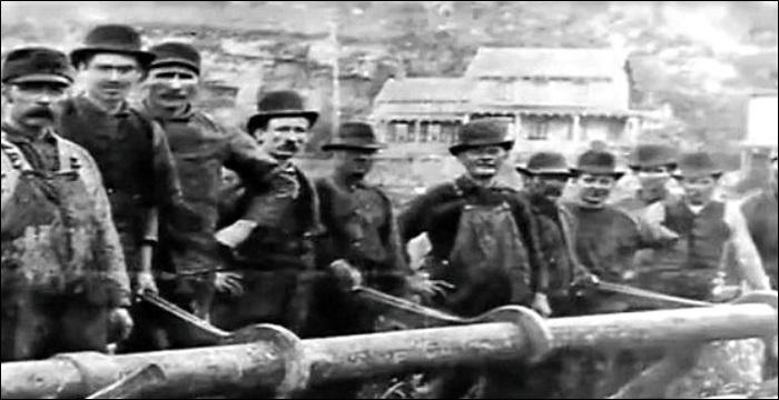 1911년 미국의 대표적인 독점 기업이었던 '스탠더드 오일' 근로자들의 모습.