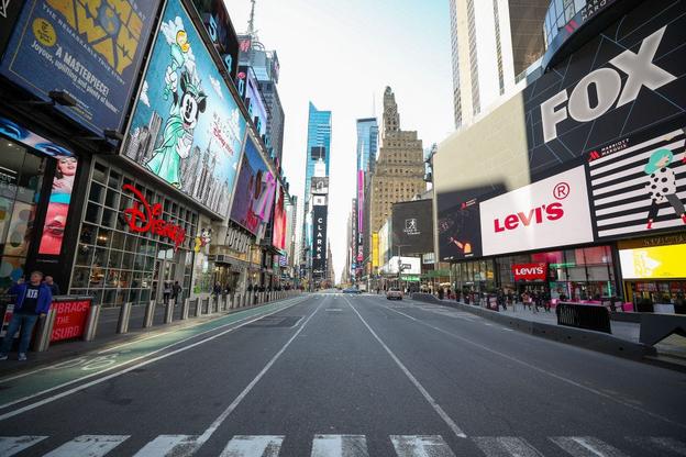 우한 코로나 확산 영향으로 뉴욕 맨해튼 타임스퀘어가 텅 비어있다. /트위터 캡처