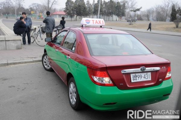 평양에서 택시로 운영 되는 중국산 화타이 차량 RIDA MAGAZINE