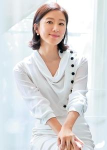 배우 김희애씨. /YG엔터테인먼트 제공