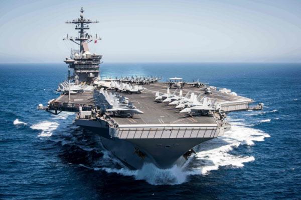 미 핵항모 시어도어 루스벨트함. /AFP 연합뉴스
