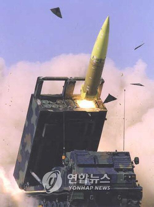 한국군과 주한미군이 보유하고 있는 에이태킴스(ATACMS) 지대지 미사일. 최대 사거리 300km로, 미군은 지대함 미사일로 개량하는 작업을 진행중이다. /연합뉴스
