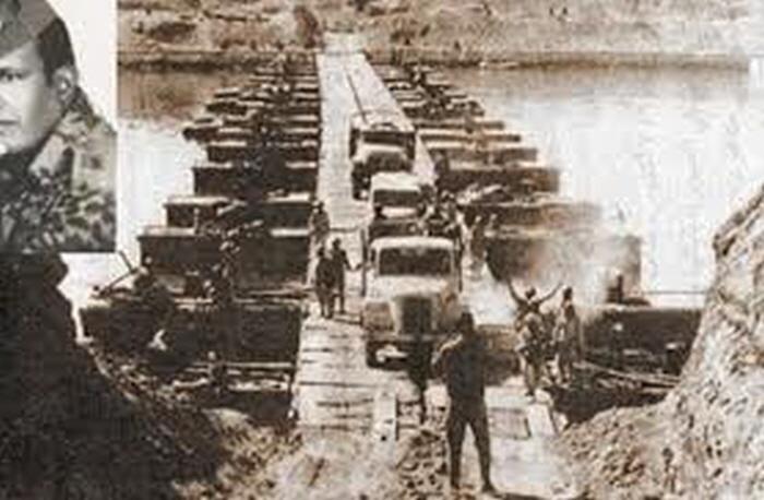 1973년 4차 중동전 개전 당시 수에즈 운하에 구축된 이스라엘군의 모래방벽을 돌파한 이집트군이 진격하고 있다 /위키 피디아