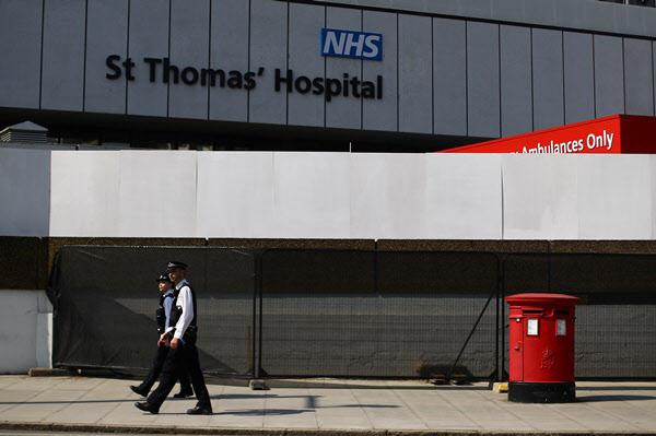 보리스 존슨 영국 총리가 입원해 있는 런던의 세인트토머스병원/로이터 연합뉴스