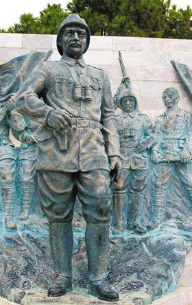 갈리폴리 반도 남부 차나칼레 순교자 기념비 근처의 무스타파 케말(아타튀르크) 동상.
