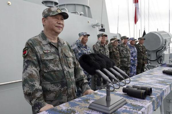 군복을 입은 시진핑 국가 주석/AP 연합뉴스
