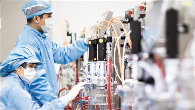 대웅제약 연구소 직원들이 신약 연구개발을 위해 임상 시험을 진행하고 있다. 대웅제약 제공