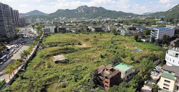 대한항공이 재무구조 개선을 위해 매각을 추진 중인 서울 종로구 송현동 부지 모습.