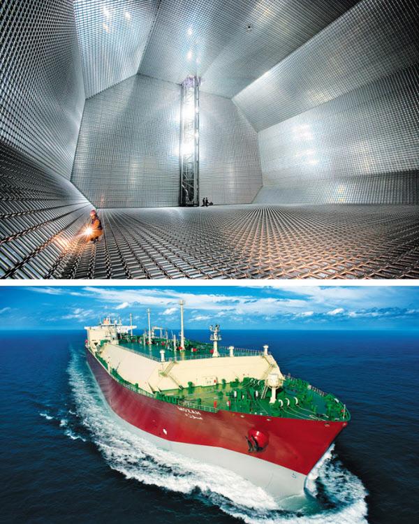 2008년 삼성중공업이 카타르에 인도했던 LNG 운반선과 LNG를 담는 화물창의 내부 모습. 천연가스를 영하 163℃의 극저온상태로 액화해 운송하기 때문에 항온 유지, 폭발 사고 방지 장치 등 고난도 기술이 필요하다. /조선DB