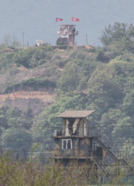 2020년 5월 3일, 북한군이 아군 DMZ 초소에 사격한 가운데 경기도 파주시의 남북 초소가 마주보고 있다./고운호 기자