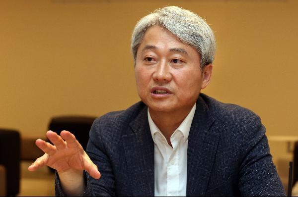김근식 경남대교수
