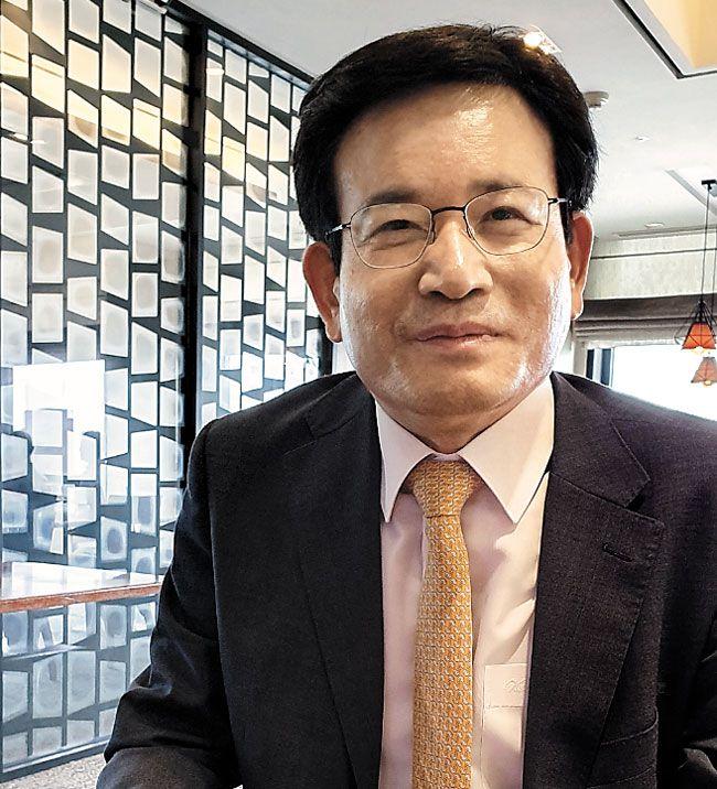 유성옥 전 단장은 '과거 김일성·김정일의 대역 인물이 실제 있었고, 아마 김정은 대역도 있을 것'이라고 말했다.
