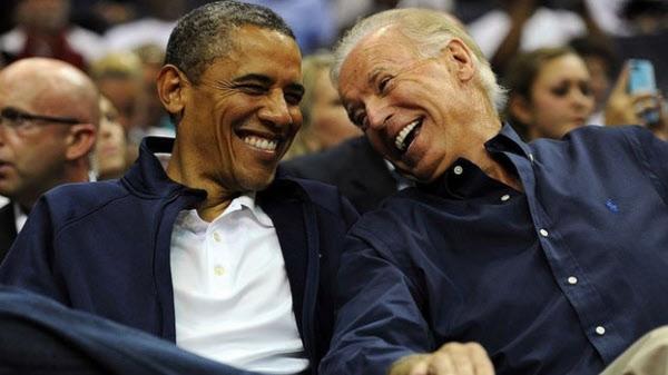 버락 오바마(왼쪽) 전 미국 대통령과 조 바이든 전 부통령. /트위터 캡처