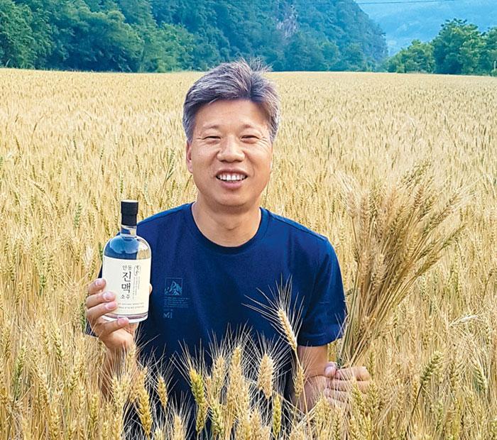 """'밀과노닐다' 박성호 대표는 """"농업의 꽃은 술""""이라고 말했다."""