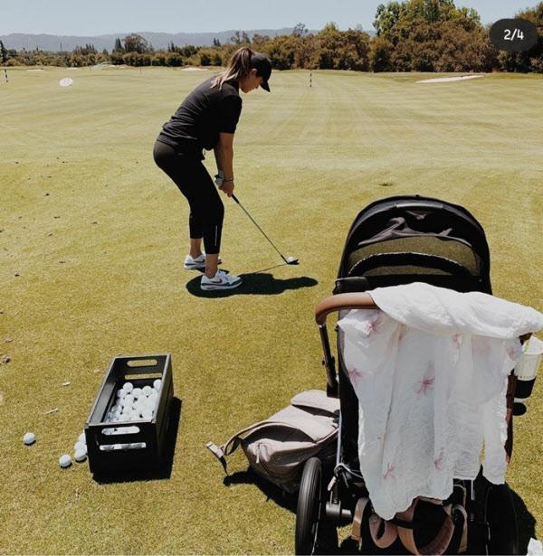 미국 캘리포니아주 스탠퍼드 골프 드라이빙 레인지에 딸이 탄 유모차를 끌고 나가 샷 연습을 하는 미셸 위./미셸 위 인스타그램