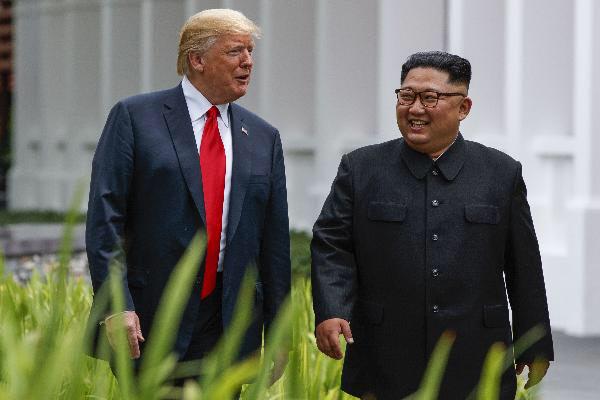 도널드 트럼프 대통령과 김정은 위원장./AP연합뉴스
