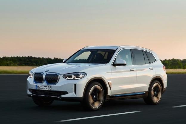 BMW가 14일 공개한 순수 전기차 iX3. /BMW