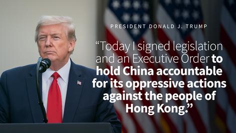 도널드 트럼프 미국 대통령은 14일 홍콩 국가보안법 시행과 관련해 중국에 책임을 묻겠다며 앞서 미 의회를 통과한 '홍콩자치법안'에 서명했다. 트럼프 대통령은 홍콩에 부여했던 경제적 특별대우를 중단하는 내용의 행정명령에도 서명했다. /미 백악관