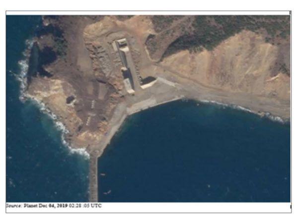 신포반도에 건설중인 대형 잠수함 정비 쉘터. 완공되면 3000t급 신형 잠수함을 미 위성 감시를 피해 정비할 수 있을 것으로 추정된다./유엔 안보리 대북제재위 보고서
