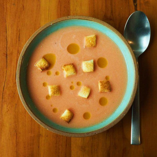 차갑게 먹는 스페인 수프 '가스파초'. 이제는 스페인을 넘어 전 세계적으로 사랑 받는 여름 냉국이다./김성윤 기자