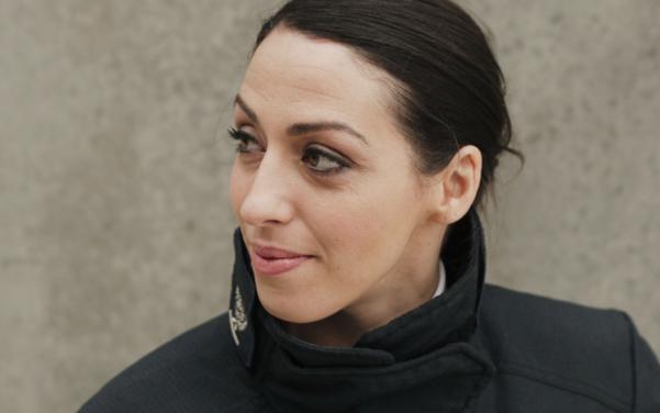 사브리나는 약 20년 동안 소방관으로 일하면서 웨스트민스터 테러 공격, 홀본 지하 터널 화재 등 여러 대형 사건을 지휘했다.
