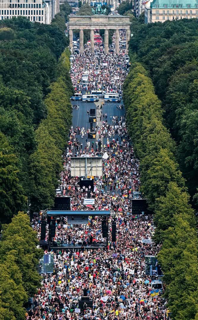 '마스크 쓰지 않을 자유를 달라' 독일서 1만7000명 시위