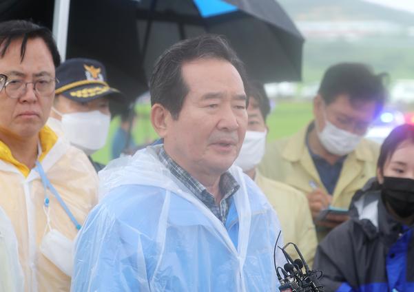 """丁총리, 휴가 취소하고 수해현장 방문...""""피해복구에 모든 지원"""""""